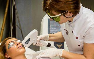 Tratament Epilare Definitiva cu Laser pe buza superioara